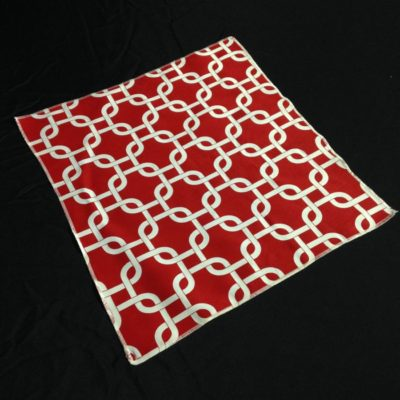 Red & White Links Table Topper